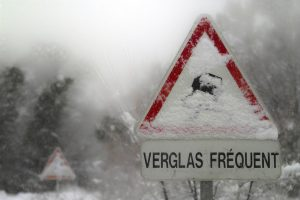 neige-verglas-trottoir-obligation-securite-nettoyer